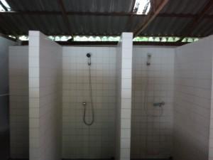 ボークン温泉シャワー室