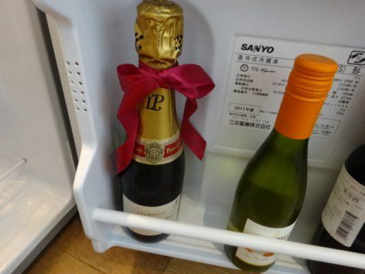 オーバル棟スイートはシャンパンが無料